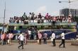 Covid-19: Hàng chục ngàn người Ấn Độ chen nhau bắt xe về quê
