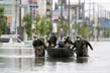 Mưa lũ kinh hoàng, hàng nghìn ngôi nhà ở Nhật Bản chìm trong nước