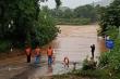 Ảnh: Mưa trắng trời, nước lũ ở các huyện miền núi Quảng Trị lên nhanh