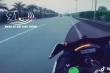 Phẫn nộ cảnh 2 mô tô phân khối lớn rượt đuổi nhau trên đường Hà Nội