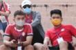 Ảnh: Khổ sở xem bóng đá Việt Nam thời Covid-19