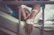 Bệnh nhân COVID-19 Ấn Độ thiệt mạng sau khi bị nam y tá hãm hiếp