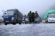 Đường đèo Ô Quy Hồ đóng băng, xe cộ không thể di chuyển