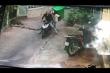Clip: Hai tên trộm chê xe xịn, chỉ lấy thùng rác