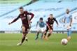 Vardy lập hattrick, Leicester nhấn chìm Man City