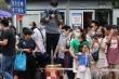 Hàng nghìn người tụ tập xem đóng cửa lãnh sự quán Mỹ tại Thành Đô