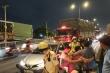 Tai nạn liên hoàn 8 ô tô trên cầu vượt ở Sài Gòn, 2 tài xế gào thét kêu cứu