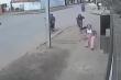 Cô gái nhanh trí làm tên cướp bất lực