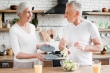 7 thực phẩm tăng cường miễn dịch, phòng COVID-19 cho người cao tuổi