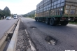 Ảnh: Quốc lộ nghìn tỷ đồng ở Huế hỏng tan tác, đầy rẫy ổ gà, ổ voi