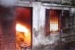 Bố và con gái chết cháy trong phòng trọ