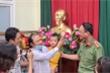 Tìm thấy bé 2 tuổi bị bắt cóc ở Bắc Ninh: Nghẹn ngào giây phút đón con trở về