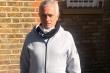 Mourinho ra đường làm từ thiện mùa Covid-19