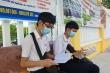 Thí sinh Quảng Nam có mặt từ sớm, tranh thủ ôn bài trước giờ thi tốt nghiệp THPT