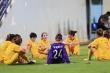 Cầu thủ Hà Nam bỏ trận đấu phản ứng trọng tài: Đừng dại dột phá hỏng tình thương