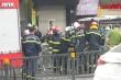 Video: Chuyển các thi thể ra khỏi hiện trường vụ cháy cửa hàng bán đồ sơ sinh