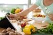 Uống nước ép, ăn chế độ thực dưỡng có chữa được ung thư?