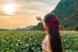 Đầm sen Hang Múa đẹp như tiên cảnh, giới trẻ đua nhau check in 'sống ảo'