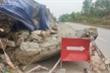 Ảnh: Sạt lở taluy dương Quốc lộ 14B, đất đá lổn nhổn trút xuống lòng đường