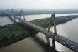 Cầu Nhật Tân ùn tắc kéo dài sau vụ tai nạn sáng đầu tuần