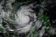 Bão số 9 cách Phú Yên 390km, đi vào đất liền với sức gió giật cấp 15