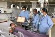 Phóng viên đang nằm viện được trao bằng khen trong phòng, chống dịch COVID-19