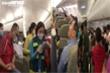 Cấm bay một năm với khách lăng mạ tiếp viên hàng không