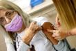 Liều vaccine COVID-19 thứ ba có cần thiết trong cuộc chiến chống biến thể Delta?