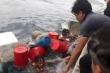 Chìm tàu cá, 6 ngư dân ôm can nhựa lênh đênh suốt 6 giờ trên biển