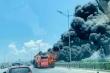 Xe giường nằm bốc cháy dữ dội giữa đường Thanh Hóa, hàng chục khách hoảng loạn
