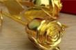 Quà 8/3 sang chảnh: Hoa hồng vàng đính kim cương giá 250 triệu đồng