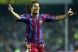 Ronaldinho được Eto'o chúc mừng sinh nhật khi đang ngồi tù