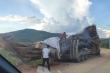 Dậy sóng hình ảnh xe tải chở cây cổ thụ khổng lồ ở Nghệ An