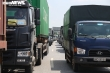 Ảnh: Nhiều xe vào Hà Nội phải quay đầu, cầu Phù Đổng ùn tắc kéo dài