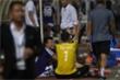 Tấn Trường diễn lại khoảnh khắc sai lầm, hậu vệ Hà Nội FC cười tít mắt