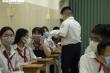 Học sinh TP.HCM hào hứng trở lại trường, giãn cách 1,5m