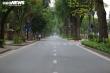 Đường phố Hà Nội vắng tanh trong ngày đầu cách ly toàn xã hội