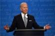 Ông Biden bí mật đeo thiết bị hỗ trợ trong buổi tranh luận đầu tiên?
