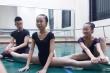 Trầy da, giãn cơ  hơn 6 năm học, nữ sinh trường Múa vẫn 'trắng tay' ra trường