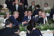 Tổng thống Putin mang cả phích uống riêng tới bàn tiệc G20