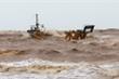 Thợ lặn không thể tiếp cận, tính mạng 10 thuyền viên gặp nạn trên biển bị đe doạ