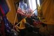 Video: Bạo loạn chưa từng có trong tòa nhà Quốc hội Mỹ