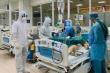 Phi công người Anh được giảm liều an thần, vẫn nhiễm trùng phổi