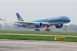 Ảnh hưởng bão số 12, hàng không đóng cửa sân bay, hủy nhiều chuyến