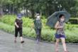 Ảnh:  Bất chấp lệnh cấm, người Hà Nội vẫn ra đường tập thể dục giữa đại dịch