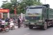 Xe quá tải ngang nhiên lưu thông, ẩn họa khu vực cổng trường học