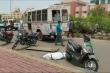 Video: Thi thể bệnh nhân COVID-19 văng ra khỏi xe cứu thương ở Ấn Độ