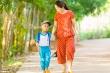 Muôn vàn tâm tư của bố mẹ khi trẻ tựu trường mùa dịch