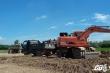 Hàng chục xe tải ầm ầm múc đất ruộng chở thẳng về nhà máy gạch