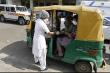 Video: Xe lam thành xe cấp cứu hỗ trợ bệnh nhân COVID-19 ở Ấn Độ